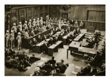 The Dock at the Nuremberg Trials. Front Row from Left: Hermann Goring Giclee-trykk