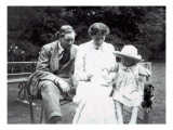 Virginia Woolf with Clive and Julian Bell, 1910 Giclee Print by  English Photographer