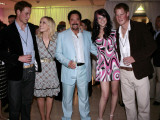 Prince William, Natasha Bedingfield, Tom Jones, Joss Stone and Prince Harry following pop concert i Fotografisk tryk