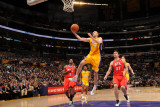 Atlanta Hawks v Los Angeles Lakers, Los Angeles, CA - February 22: Steve Blake Photographic Print by Andrew Bernstein
