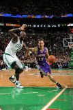 Phoenix Suns v Boston Celtics, Boston, MA - March 2: Steve Nash and Kevin Garnett Fotografisk tryk af Brian Babineau
