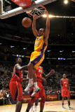 Atlanta Hawks v Los Angeles Lakers, Los Angeles, CA - February 22: Shannon Brown Lámina fotográfica por Andrew Bernstein