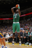 Boston Celtics v Golden State Warriors, Oakland, CA - February 22: Kevin Garnett Photographic Print by Rocky Widner