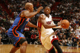 New York Knicks v Miami Heat, Miami - February 27: Dwyane Wade and Chauncey Billups Photographic Print by Issac Baldizon