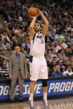 Utah Jazz v Dallas Mavericks, Dallas, TX - February 23: Peja Stojakovic Fotografisk tryk af Ronald Martinez