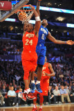 2011 NBA All Star Game, Los Angeles, CA - February 20: Kobe Bryant and LeBron James Fotografie-Druck von Garrett Ellwood