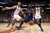 New York Knicks v Phoenix Suns, Phoenix - January 07: Raymond Felton, Marcin Gortat and Mickael Pie Fotografisk tryk af Christian Petersen
