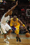 Los Angeles Lakers v Boston Celtics, Boston, MA - February 10: Kobe Bryant and Ray Allen Photographic Print by Elsa 