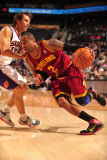 Cleveland Cavaliers  v Phoenix Suns, Phoenix - January 9: Mo Williams and Steve Nash Photographic Print by Barry Gossage