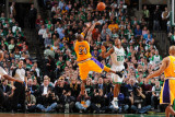 Los Angeles Lakers v Boston Celtics, Boston, MA - February 10: Kobe Bryant and Ray Allen Fotografisk tryk af Brian Babineau