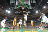 Los Angeles Lakers v Boston Celtics, Boston, MA - February 10: Ray Allen Fotografisk tryk af Brian Babineau