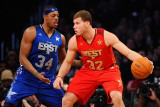 2011 NBA All Star Game, Los Angeles, CA - February 20: Blake Griffin and Paul Pierce Fotografisk tryk af Kevork Djansezian