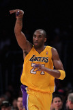 Atlanta Hawks v Los Angeles Lakers, Los Angeles, CA - February 22: Kobe Bryant Photographie par Jeff Gross