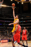 Atlanta Hawks v Los Angeles Lakers, Los Angeles, CA - February 22: Pau Gasol and Al Horford Photographic Print by Andrew Bernstein