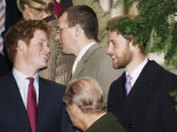 Prince William sporting a new beard with his brother Prince Harry as the Royal Family attend a Chri Fotografisk tryk