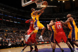Atlanta Hawks v Los Angeles Lakers, Los Angeles, CA - February 22: Kobe Bryant Photographic Print by Andrew Bernstein