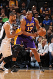 Los Angeles Lakers v San Antonio Spurs, San Antonio, TX - March 6: Andrew Bynum and Tim Duncan Photographic Print by Andrew Bernstein