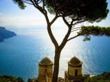 View from the 13th Century Villa Rufolo in Ravello, Amalfi Coast Fotografie-Druck von Glenn Beanland