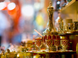 Tea Set for Sale at Grand Bazaar Fotografie-Druck von Jean-pierre Lescourret