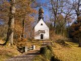 Small Kapelle (Chapel) at Schloss Linderhof (Linderhof Palace), Near Ettal Fotografie-Druck von Glenn Van Der Knijff
