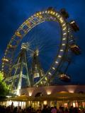 Riesenrad (Giant Ferris Wheel) at Prater Reproduction photographique par Krzysztof Dydynski