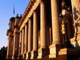 Victorian State Parliament House Pillars Fotografie-Druck von Glenn Van Der Knijff