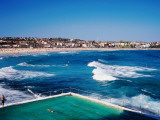 Overhead of Bondi Icebergs Pool and Bondi Beach Fotodruck von Holger Leue