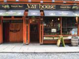 Vat House Pub Temple Bar Area Fotografie-Druck von Eoin Clarke
