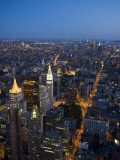 Manhattan from Empire State Building Observation Deck at Dusk Photographie par Christopher Groenhout