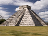 El Castillo, Pyramid of Kukulca Fotografisk trykk av Dennis Johnson