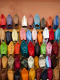 Traditional Moorish Slippers, Place Ben Youssef Photographie par Huw Jones