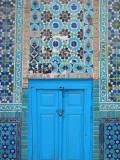 Blue Door, Shrine of Hazrat Ali Fotografiskt tryck av Jane Sweeney