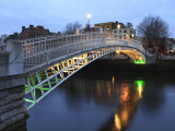 The Ha'Penny Bridge across the River Liffey Leading to Temple Bar Area Fotodruck von Eoin Clarke