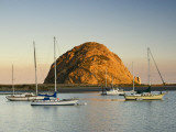 Boats Anchored Near Morro Rock at Sunrise, Seen from Embarcadero Waterfront Boulevard Fotografie-Druck von Witold Skrypczak
