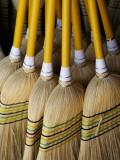 Brooms Made in Traditional Way from Millet, Tumut Broom Factory Fotografisk trykk av Oliver Strewe