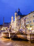 Fontana Del Nettuno (Neptune Fountain) and Church of Sant'Agnese in Agone at Piazza Navona Fotografie-Druck von Richard l'Anson