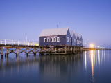 Busselton Jetty at Dawn Fotografisk tryk af Andrew Watson