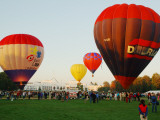 Hot-Air Balloon Festival at Old Parliament House Photographie par Simon Foale