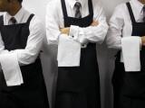 Waiters Ready for Service Fotografie-Druck von Oliver Strewe