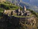 Tatev Monastery on Edge of Vorotan Canyon Fotografiskt tryck av Mark Daffey