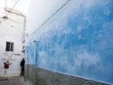 Cool Blue Colour Adorning Wall Deep Within Meknes Medina Photographie par Orien Harvey