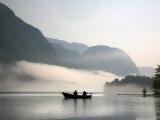 Two Fishermen in Boat on Lake Bohinj (Bohinjsko Jezero) Fotografisk tryk af Ruth Eastham & Max Paoli