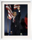 President-Elect Barack Obama Waves after Acceptance Speech, Nov 4, 2008 Framed Photographic Print