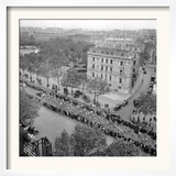 Contestants in the 1948 Tour De France Parade up the Champs Elysees Framed Photographic Print