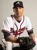 Atlanta Braves Photo Day, LAKE BUENA VISTA, FL - FEBRUARY 21: Tim Hudson Photographic Print by Mike Ehrmann