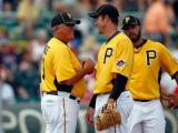 Minnesota Twins v Pittsburgh Pirates, BRADENTON, FL - MARCH 02: Clint Hurdle and Ross Ohlendorf Photographic Print by J. Meric