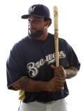 Milwaukee Brewers Photo Day, MARYVALE, AZ - FEBRUARY 24: Prince Fielder Photographie par Jonathan Ferrey