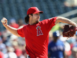Los Angeles Angels of Anaheim v Texas Rangers, SURPRISE, AZ - MARCH 02: Dan Haren Photographic Print by Christian Petersen
