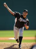 Florida Marlins v Washington Nationals, VIERA, FL - MARCH 02: Josh Johnson Fotografie-Druck von Mike Ehrmann