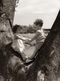 Boy and Girl Holding Hands Fotografisk tryk af H. Armstrong Roberts